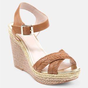 Vince Camuto brown leather platform tadeta sandal